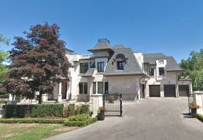 House, 111 Woodland Acres Cres, Vaughan